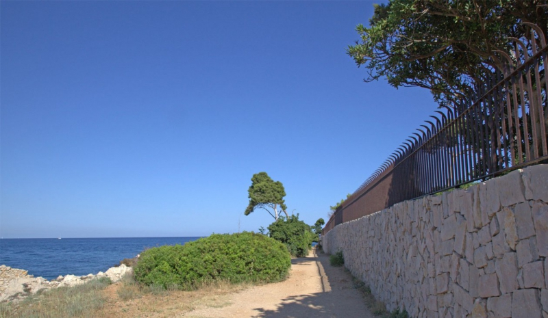 Escapade la garoupe e il cap dantibes for Jardin villa thuret antibes