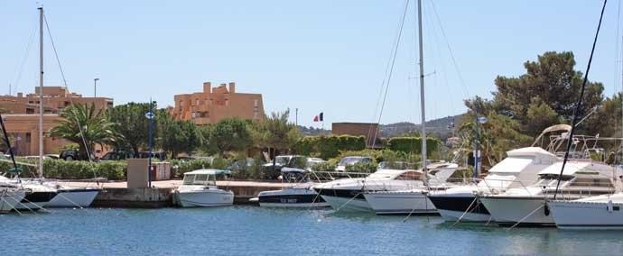 port de la faviиre, port de plaisance   bormes-les-mimosas