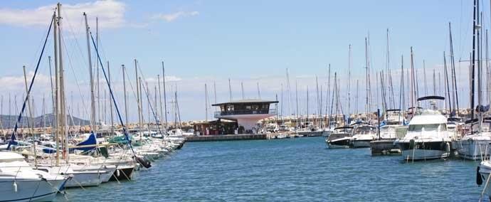 port de la favière, port de plaisance à bormes-les-mimosas