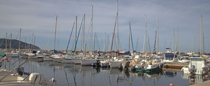 port nouveau port des lecques, port de plaisance   saint-cyr-sur-mer