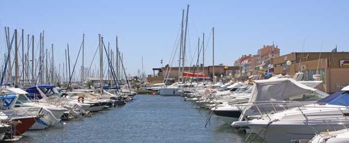 port saint pierre, port de plaisance in hyères-les-palmiers