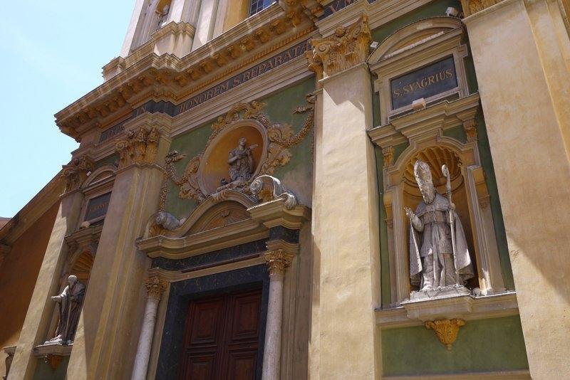 Frente Catedral de Sainte Reparate em Nice