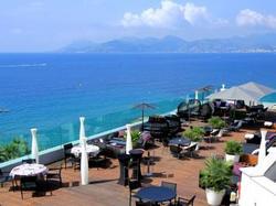 Radisson Blu 1835 Hotel & Thalasso, Cannes - Escapade à eze
